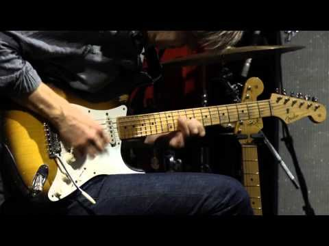 Eric Johnson Tests Out The American Vintage 56 Strat Eric