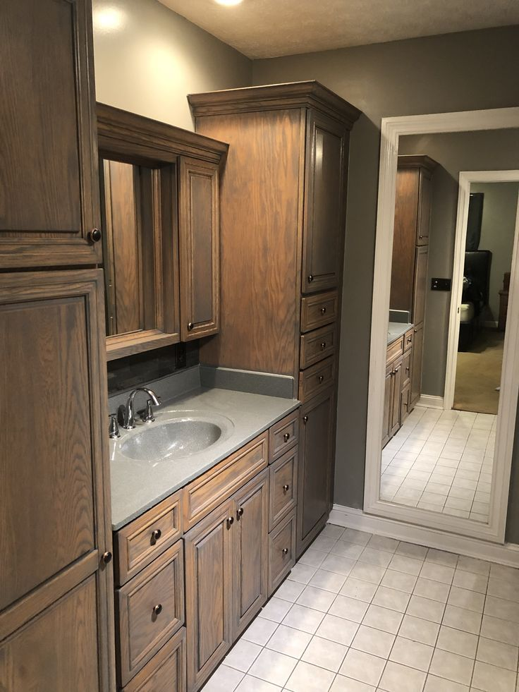 Gray Washed Bathroom Cabinets Slate Backsplash Stone Spray ...