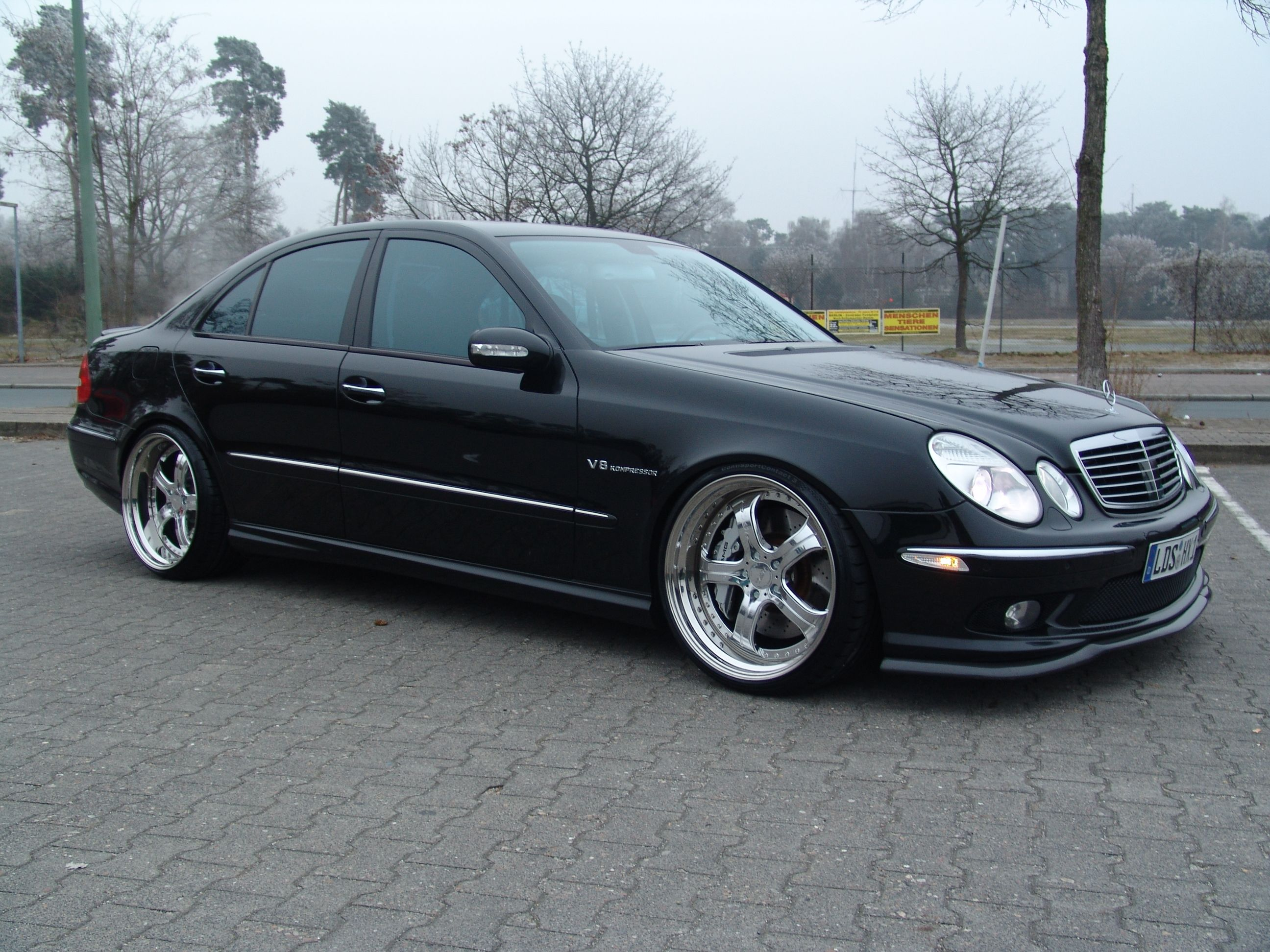 W211 E55AMG with mecxtremeIII 3pc wheels and excluvie exhaust
