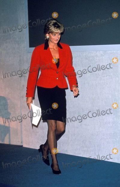 January 18, 1996: Princess Diana opening Childline Appeal, Savoy Hotel, London. Photo By:alpha-Globe Photos, Inc