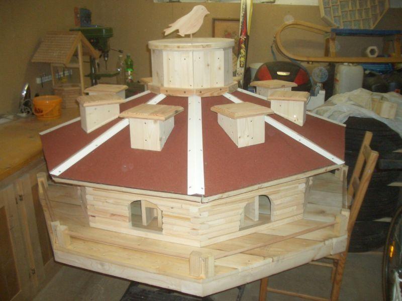 xxl vogelhaus bauanleitung zum selber bauen heimwerker forum garten gartenschmuck. Black Bedroom Furniture Sets. Home Design Ideas