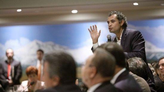 Enrique Ochoa donó liquidación de CFE - http://www.esnoticiaveracruz.com/enrique-ochoa-dono-liquidacion-de-cfe/