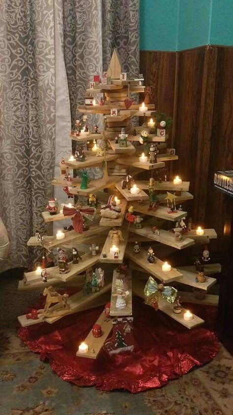 3d Christmas Tree Of Pallets Used As Shelves Pallet