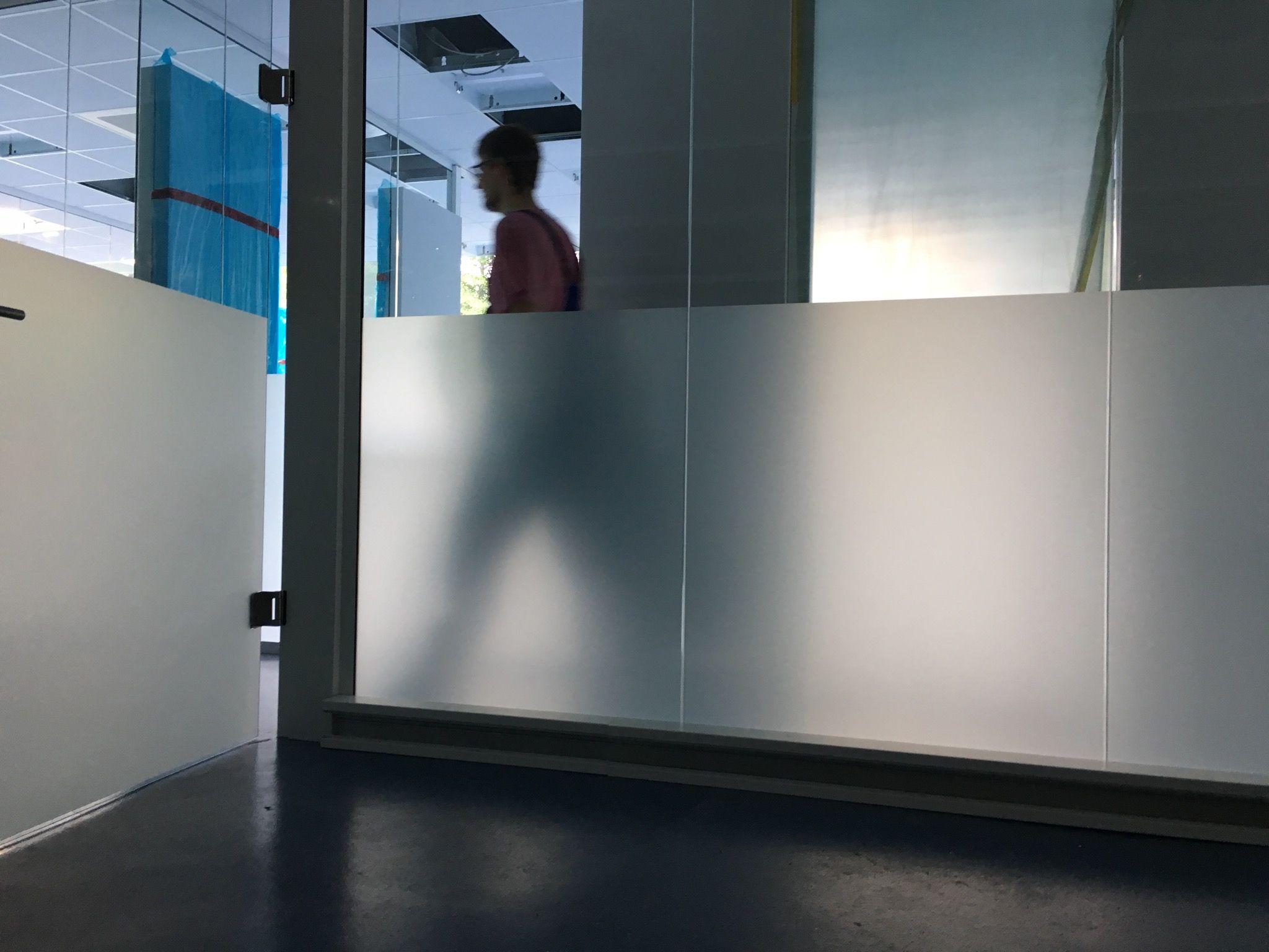 Sichtschutzfolie Auf Glasture Und Glaswande Grossraumburo Buroglas