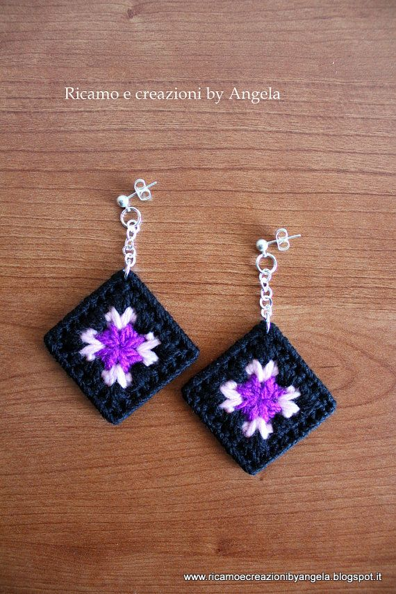 Plastic canvas granny square earrings di Ricamoeplasticcanvas