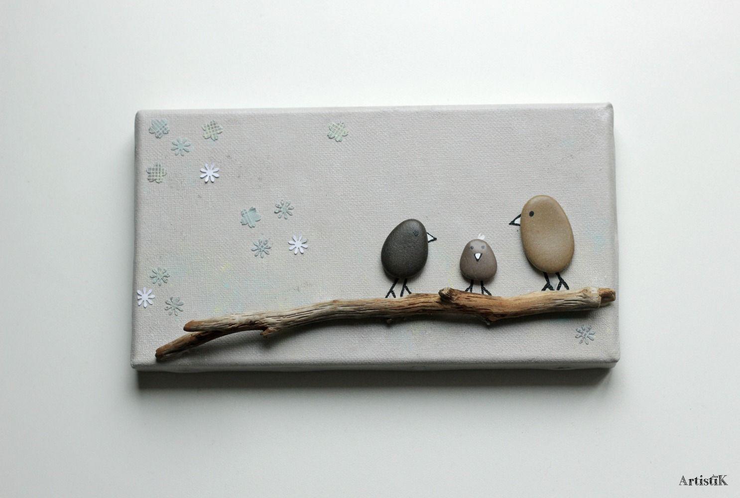 Tableau galets oiseaux bois flotté fond beige coloré dessin ...