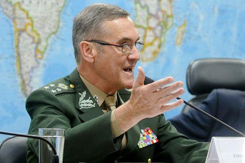 General Villas Bôas fez alerta no Senado