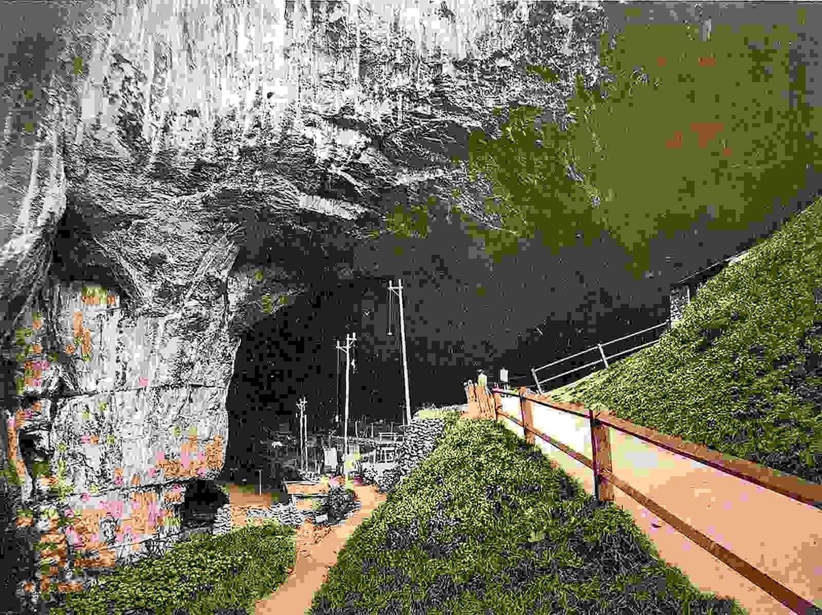 Peak Cavern Castleton, Derbyshire Leaf river, Castleton
