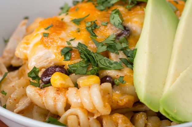 Southwest Chicken Alfredo Pasta Bake #chickenalfredo