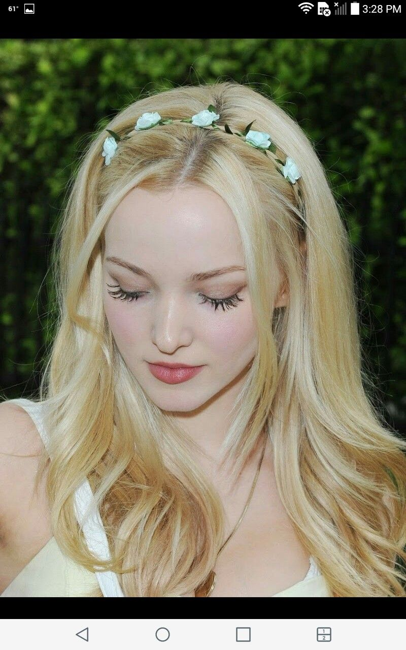 Dove Cameron with her eyes looking down Dove Cameron