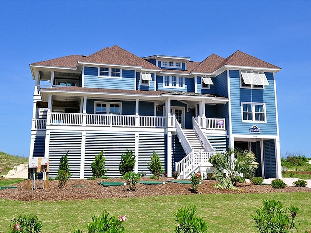 Miss Bee Haven E125 Is An Outer Banks Oceanfront Vacation Rental In Pine Island Corolla Nc That Beach House Plans Beach House Exterior Vacation Home Rentals