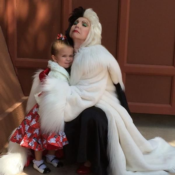 Mom Makes Incredible Costumes For Her Daughter To Wear At Disney - Mom creates the most adorable costumes for her daughter to wear at disney world