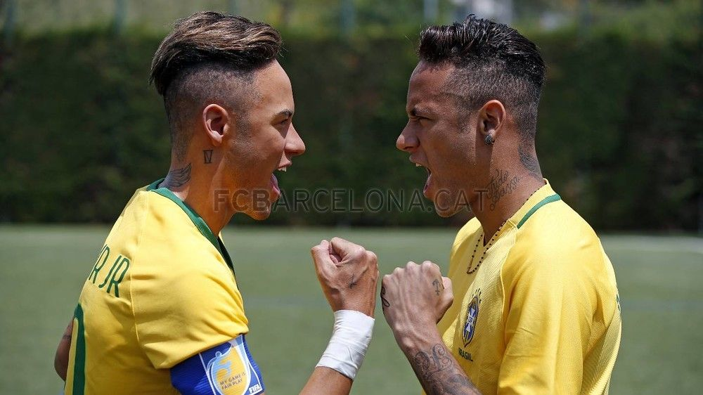 Neymar Jr And His Wax Double Fc Barcelona Neymar 1 Pinterest