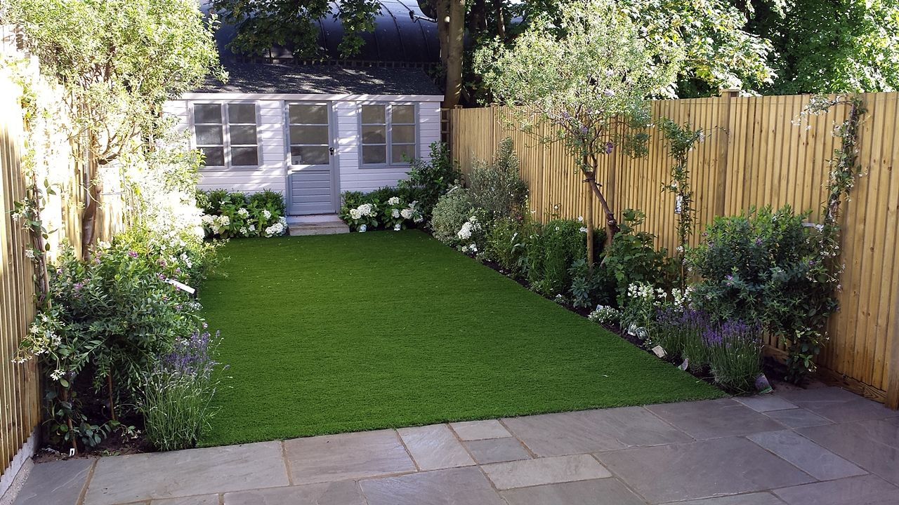 modern low maintenance garden design easy lawn grass painted fence great planting london (3)