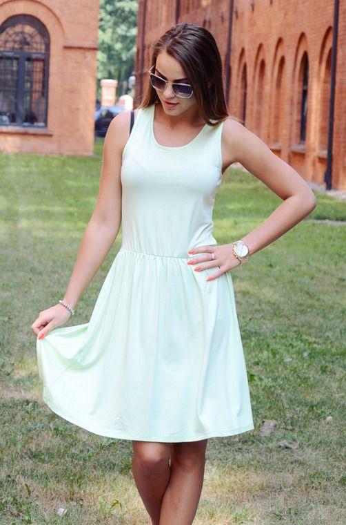 11bbd2f989 Zwiewna sukienka przed kolano