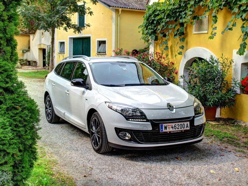 [Renault Megane Grandtour Energy TCe 115] Der Renault Megane wurde zum Modelljahr 2012 überarbeitet und hat mit dem Energy TCe 115 auch einen neuen und sparsamen Benzinmotor erhalten. In unserem Test muss sich der neue Motor beweisen. #renault #megane #grandtour