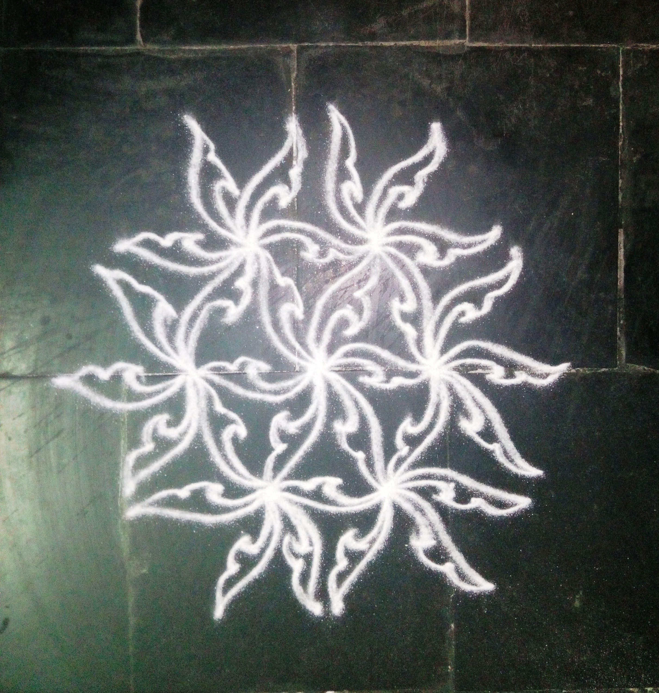 Simple Dotted Kolam With 7 4 Dots Dotted Kolam Rangoli Designs
