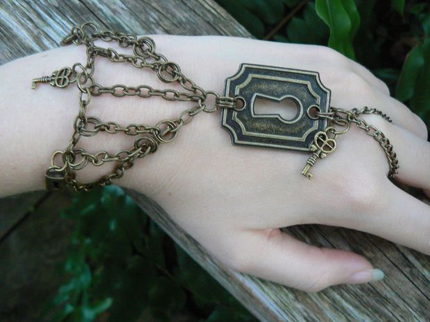 steampunk  slave bracelet lock and keys steampunk fantasy gothic gypsy style