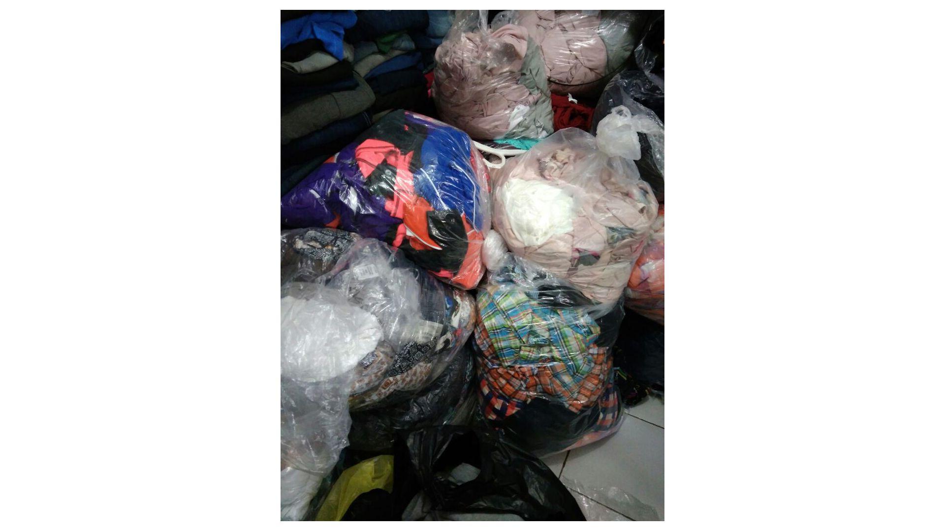 0857 7940 5211 Supplier Baju Branded Dewasa Grosir Baju Olahraga di Medan Grosir Baju Olahraga Wanita di Medan Halo gan sis semuanya BajuBranded