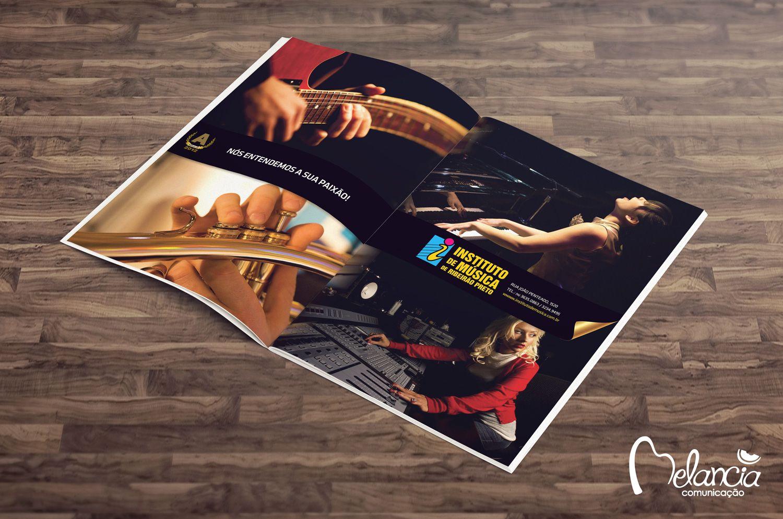 Anúncio do Instituto de Música de Ribeirão Preto de página dupla para Revista Top of Mind criado pela Melancia.