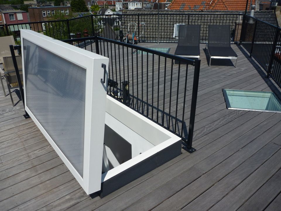 Staka Electric Roof Hatch Roof Hatch Modern Roofing