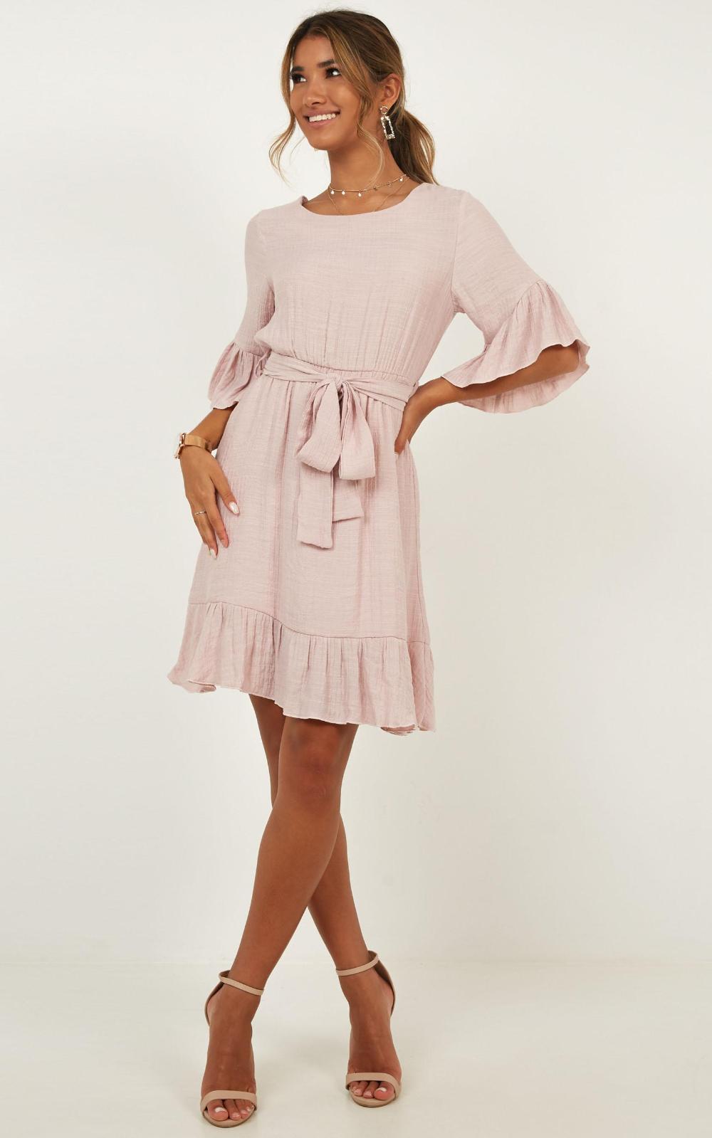 Pin Von Chrissy Csangel Auf Elegant Dresses Bouses To Buy
