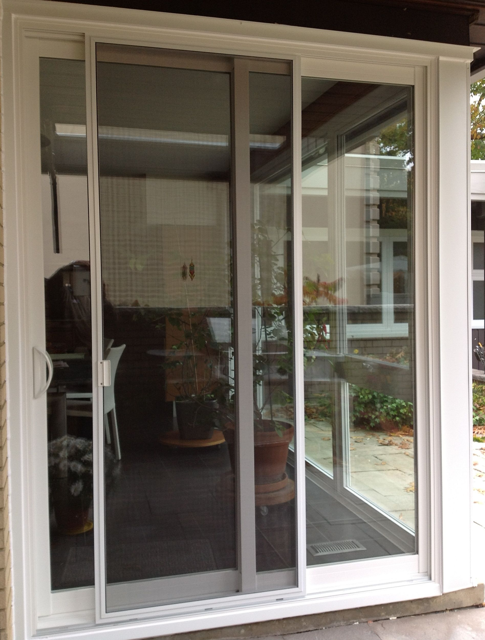 Unique Screen Door for Apartment Balcony