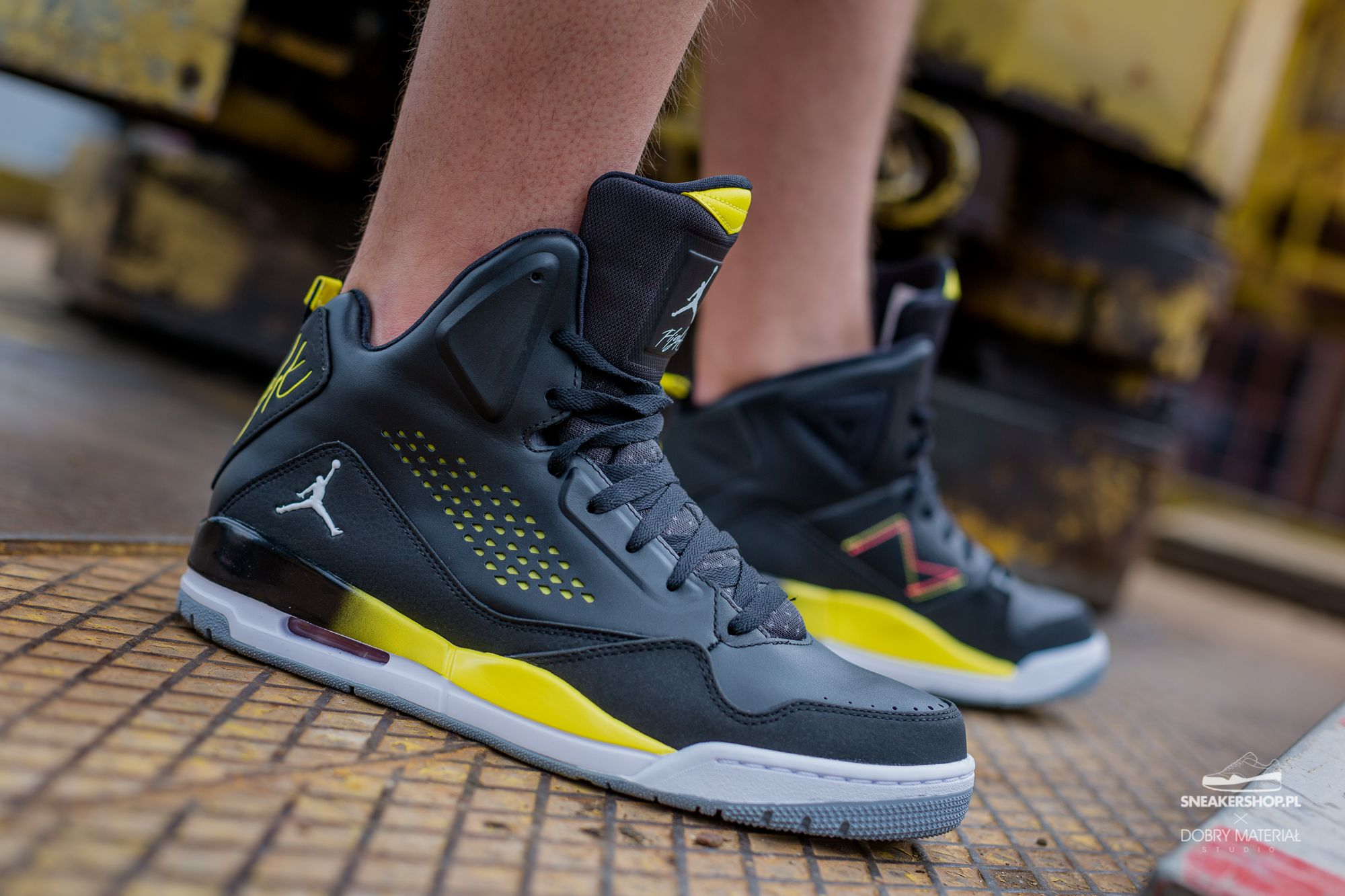 Nike Jordan SC-3 Black/White-Vibrant Yellow-Wolf Grey 629877 070