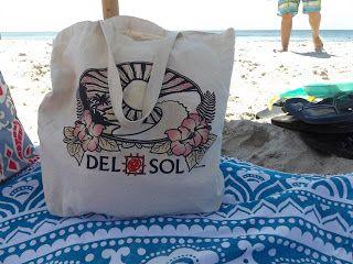 Beach Bag Essentials #BeachBag #BeachBagEssentials #WhatsInMyBeachBag