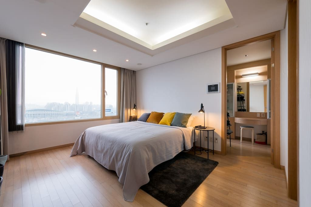 Bright Modern River View Coex Gangnam Apartments For Rent In Gangnam Gu Seoul South Korea Apartment Room Home Looking For Apartments