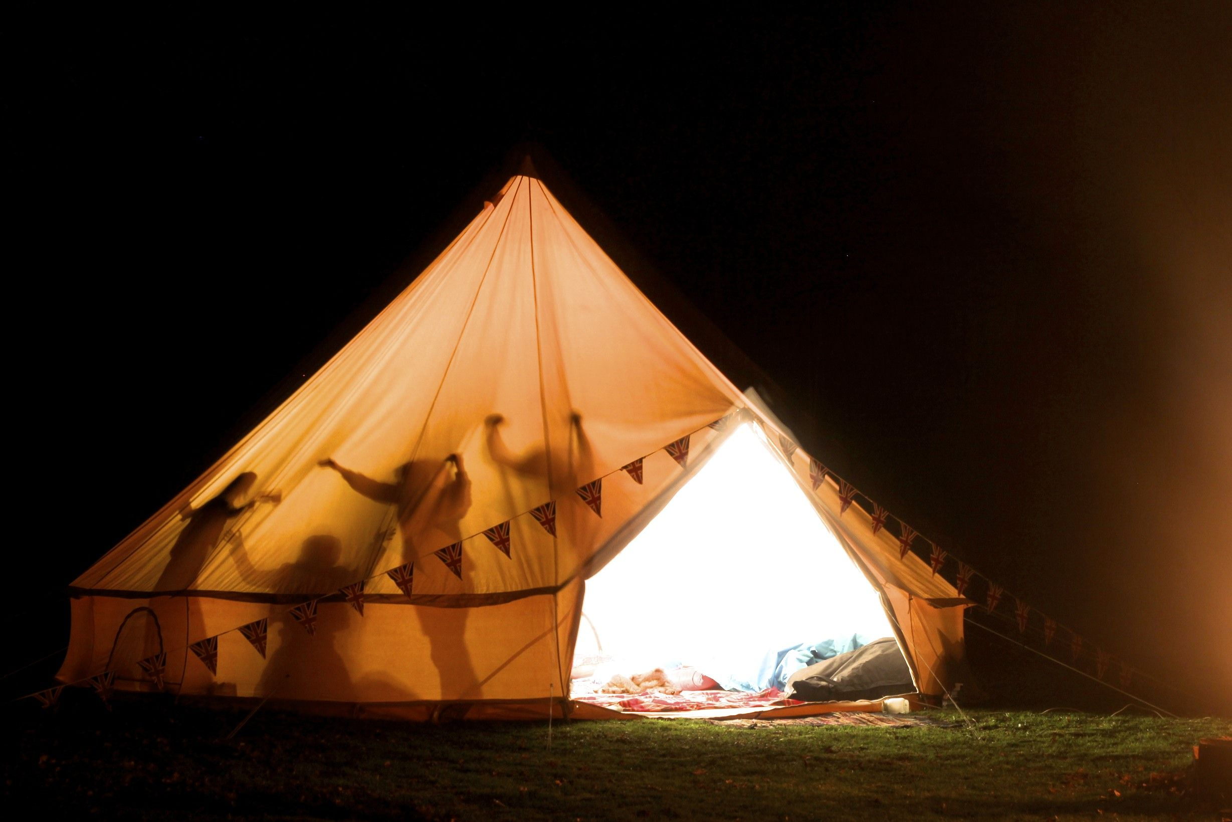 7m Bell tents - .boutiquec&ing.com & 7m Bell tents - www.boutiquecamping.com | Camping Planning ...
