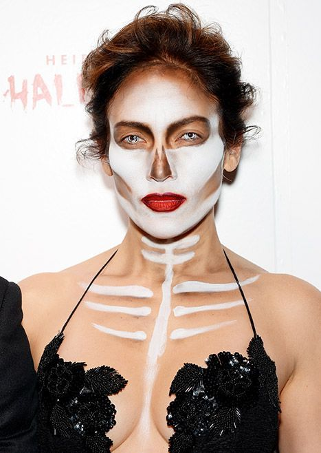 Jennifer Lopez's Scary-Gorgeous Skull Makeup for Halloween: All the Details!