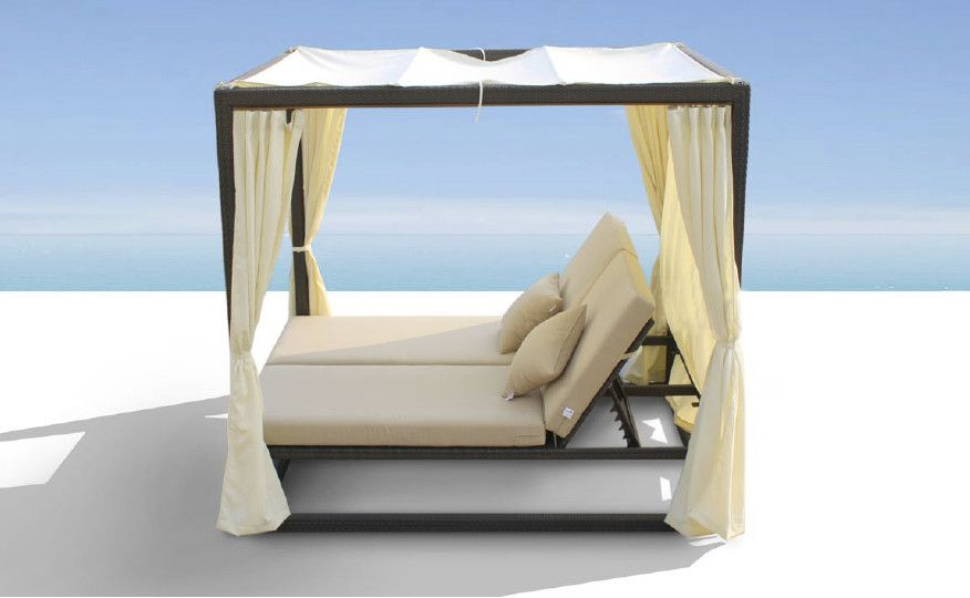 Renava Redondo Patio Canopy Day Bed With Dual Adjule Backrests