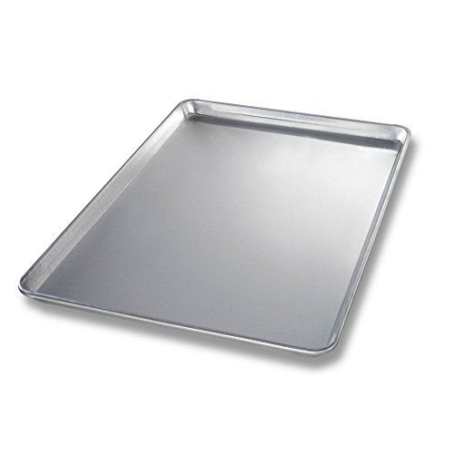 Chicago Metallic 40600 Fullsize 12 Gauge Aluminum Sheet Pan Read More Reviews Of The Product By Visiting Th Chicago Metallic Bakeware Bakeware Set Sheet Pan