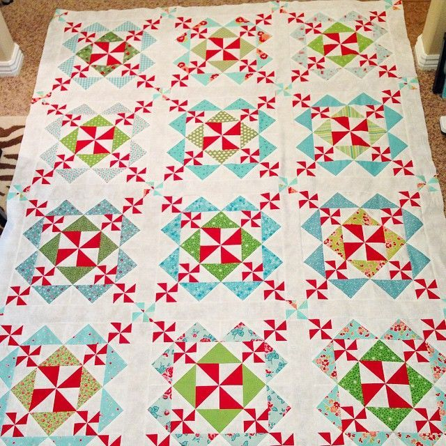 Sugar Plums Pinwheel Quilt Quilts And Quilting Pinterest