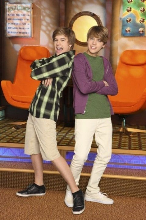 Suite Life On Deck Photo Suite Life On Deck 3rd Season Photoshoot Dylan And Cole Cole Sprouse Dylan Sprouse