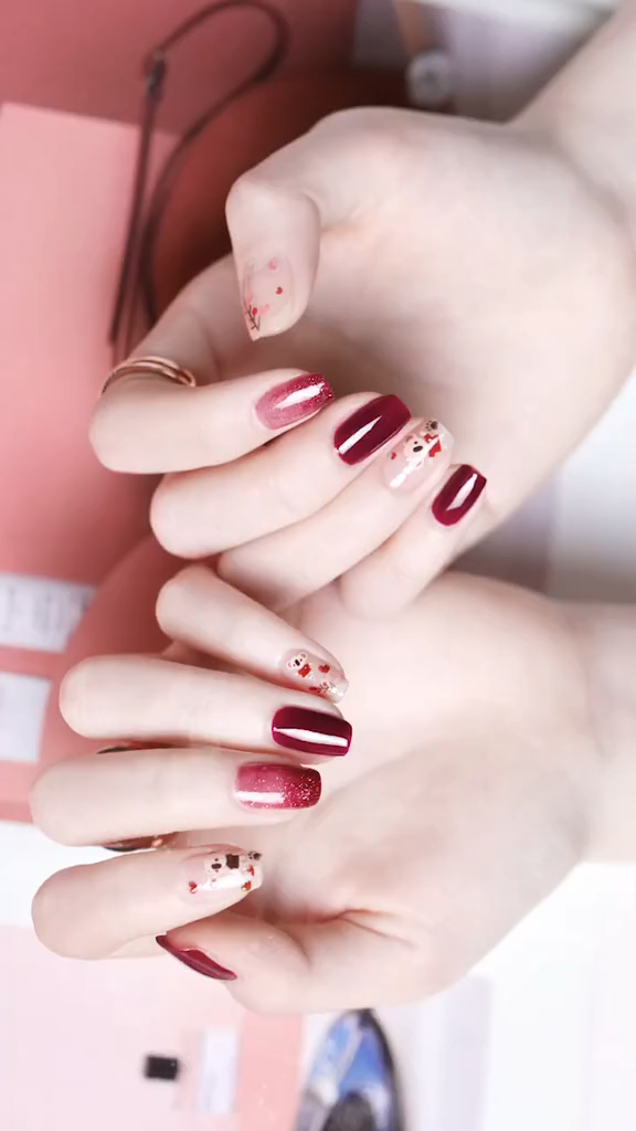 [Video] These Nail designs have clean, classy, minimalist