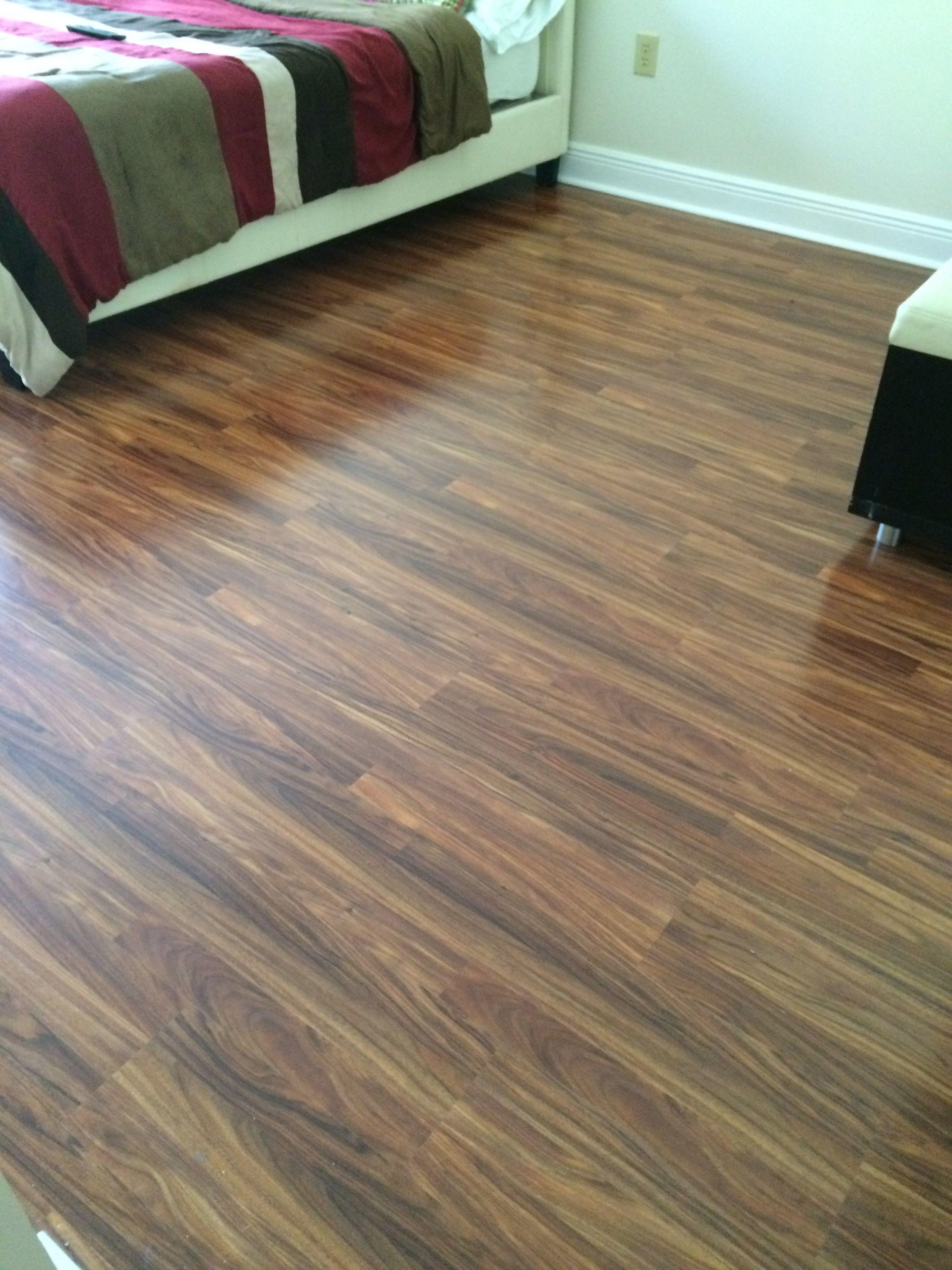 Pergo Fruitwood In A Bedroom From Bruce A Beautiful Contrasting Planks Luxury Vinyl Flooring Buying Flooring Flooring