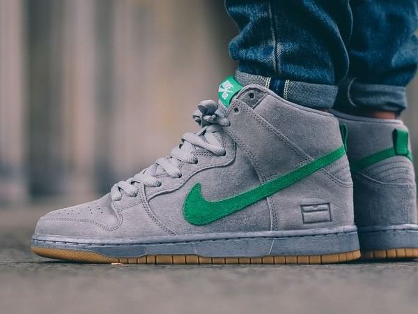 Shoes Outlet - Nike Dunk High. size 9. anthracite/white-sport turquoise Multi-Color
