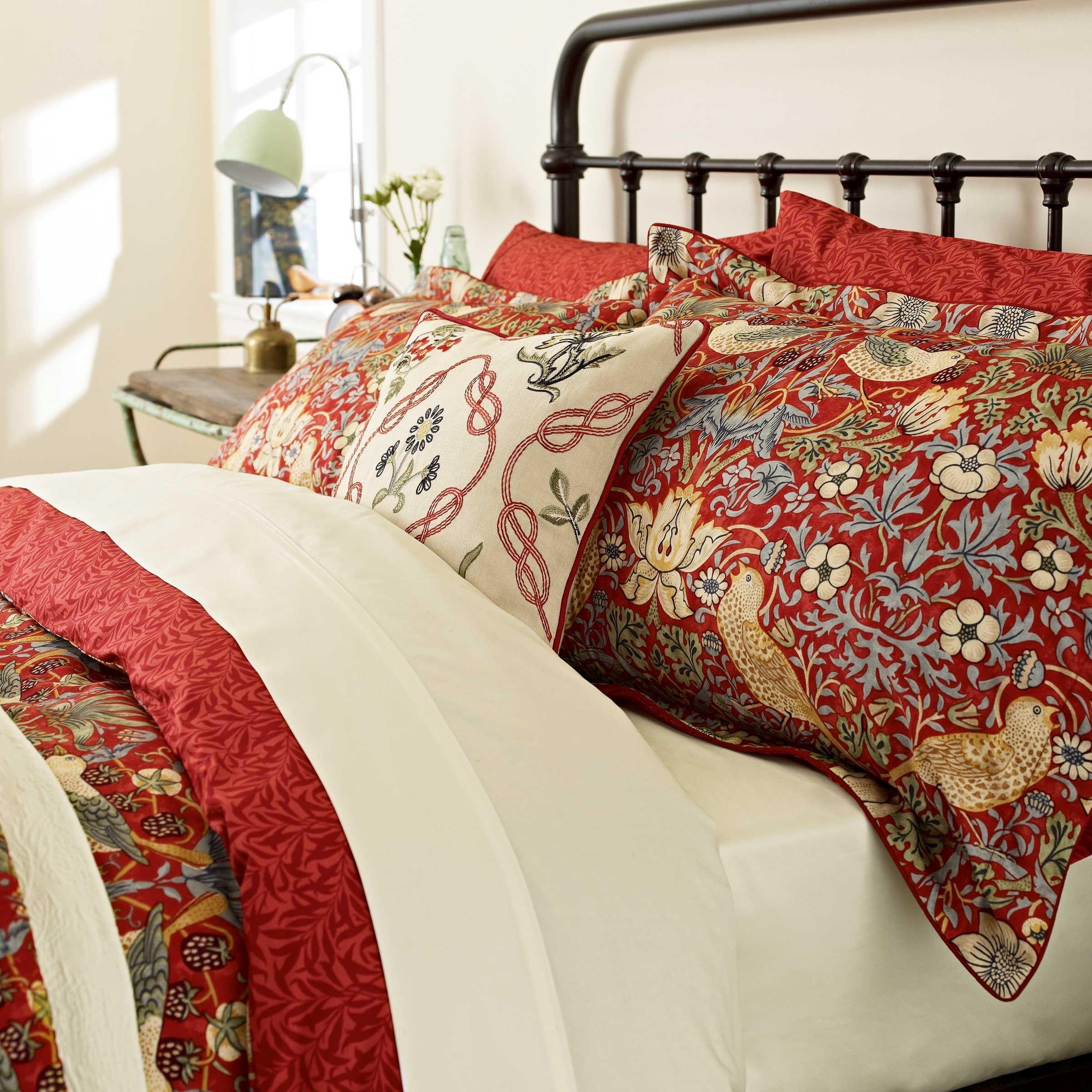 William Morris Strawberry Thief Crimson Bedding at Bedeck 1951
