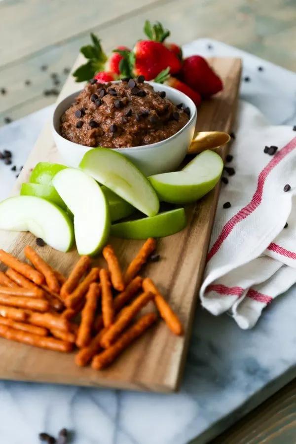 Oil-Free Dark Chocolate Brownie Batter Dessert Hummus