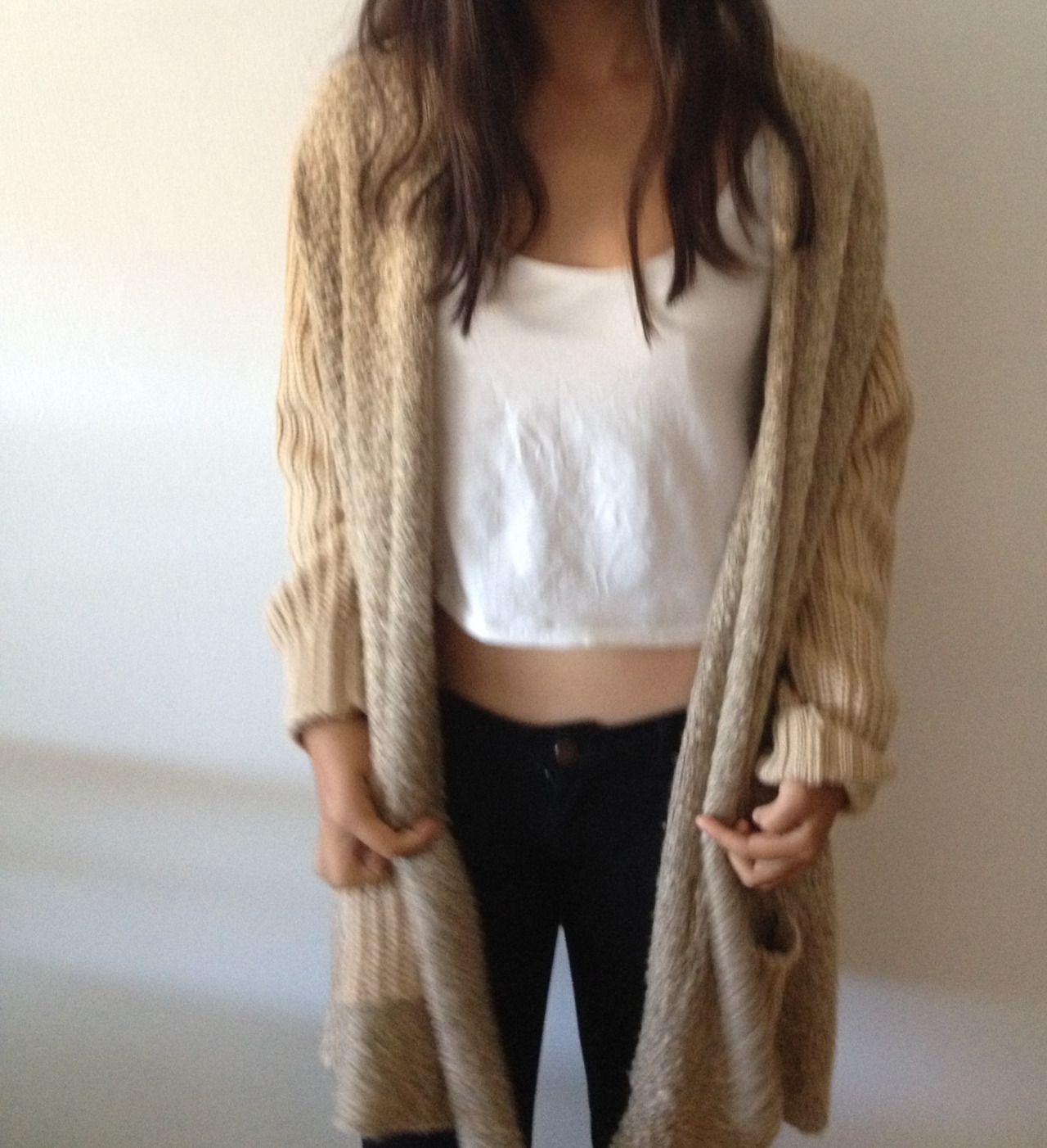 white crop top long cardigan black pants | Outfits | Pinterest ...