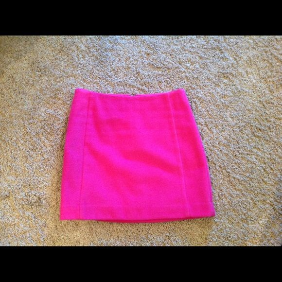 The Limited wool skirt lined. PINK lined wool skirt from The Limited.  I wore this once.  I called it my Barbie skirt:). I also have a brand new with tags Aqua color skirt identical to this pink one....check my closet. The Limited Skirts Mini