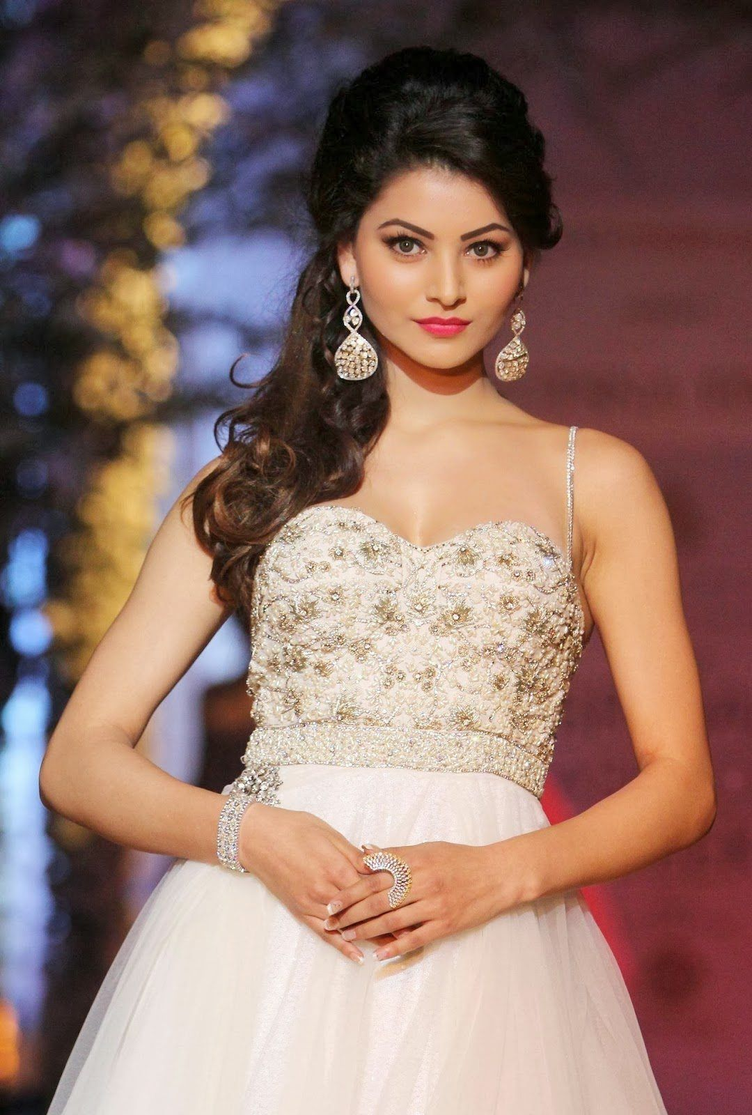 Hd wallpaper urvashi - Tv Actresses Wallpapers Pictures In Hd And Their Biography Urvashi Rautela Urvashi Pinterest Actress Wallpaper Actresses And Wallpaper