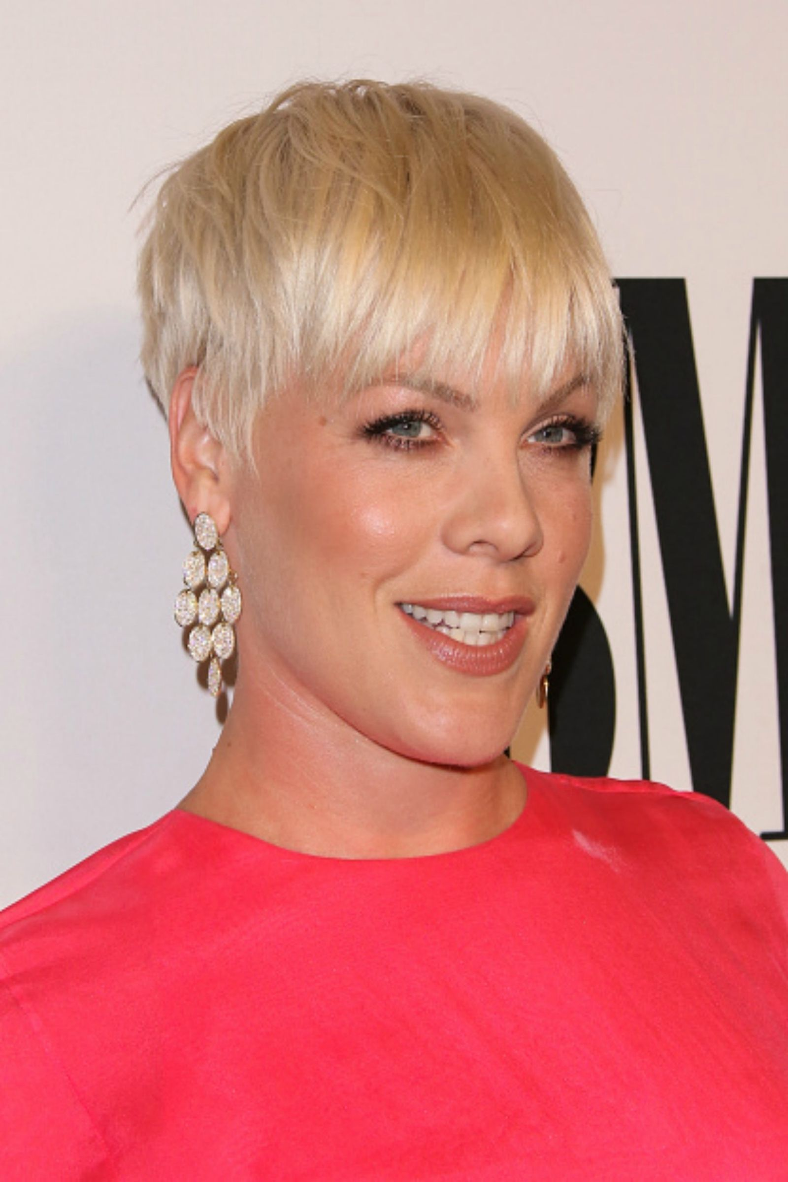 30 crazycute short hairstyles for women with thick hair