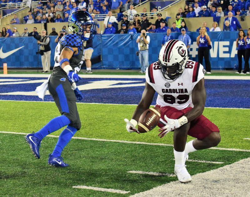 PHOTO GALLERY: Kentucky Dominates South Carolina 24-10 ...