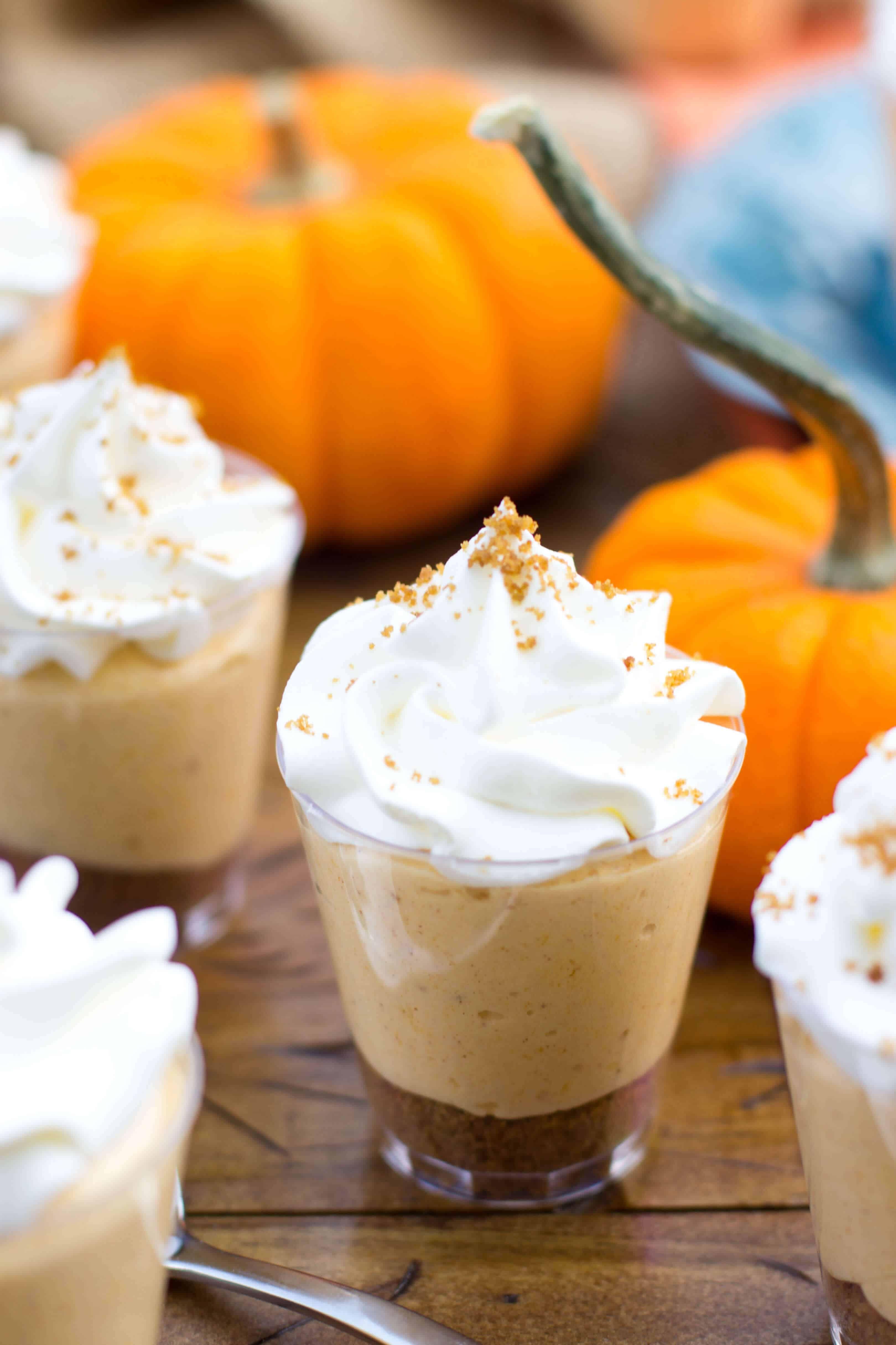 Pumpkin Pie Cheesecake Dessert Shooters #dessertshooters