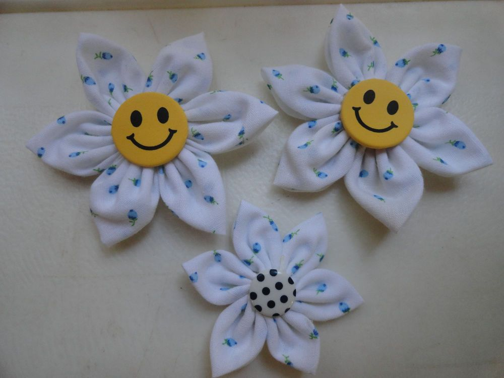 3x Stunning Fabric Flowers Embellishment / Applique / Accessory / all smiles