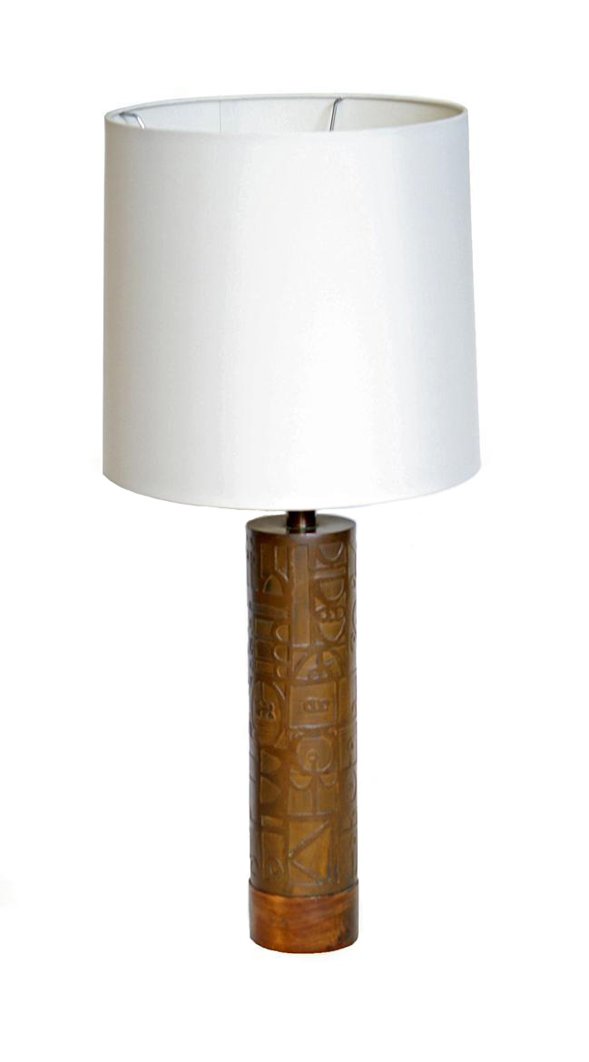 Fresh Side Table with Lamp