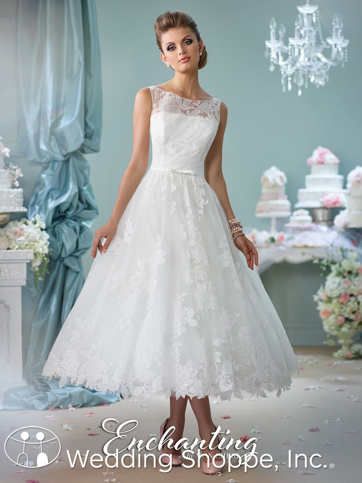 A classic vintage-inspired tea-length wedding dress. | Short Wedding ...